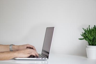 Simelius Business Improvement helpt bij het digitaliseren van bedrijfsprocessen.
